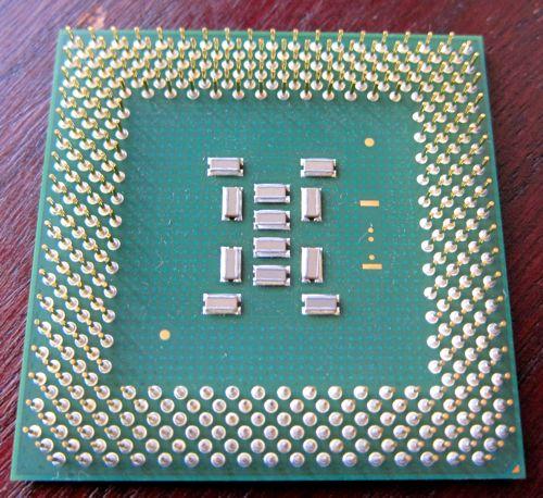 Socket370_PentiumIII_FCPGA_2.jpg