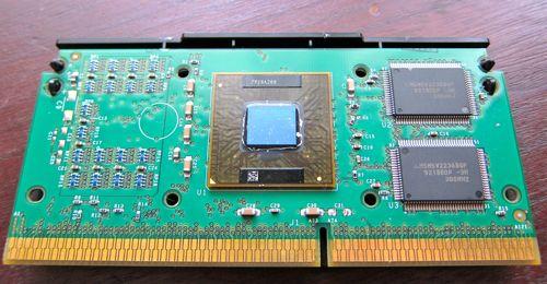 Slot1_PentiumIII_2.jpg
