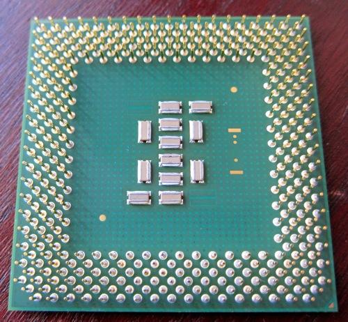 Socket370_Celeron_2_2.jpg