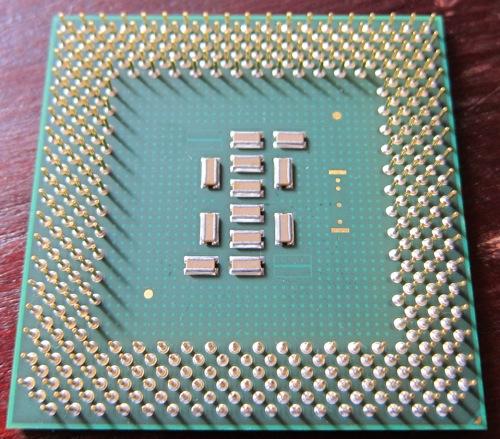 Socket370_PentiumIII_2_2.jpg