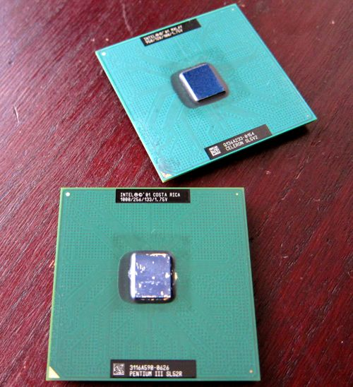 Socket370_PentiumIII_2_3.jpg