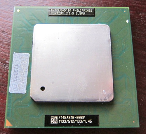Sokct370_PentiumIII_Tualatin_1.jpg