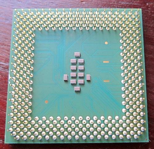 Sokct370_PentiumIII_Tualatin_2.jpg